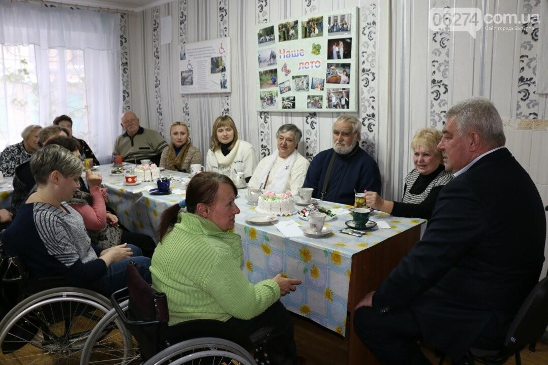 Люди с ограниченными возможностями поделились наболевшим с мэром Бахмута, фото-10