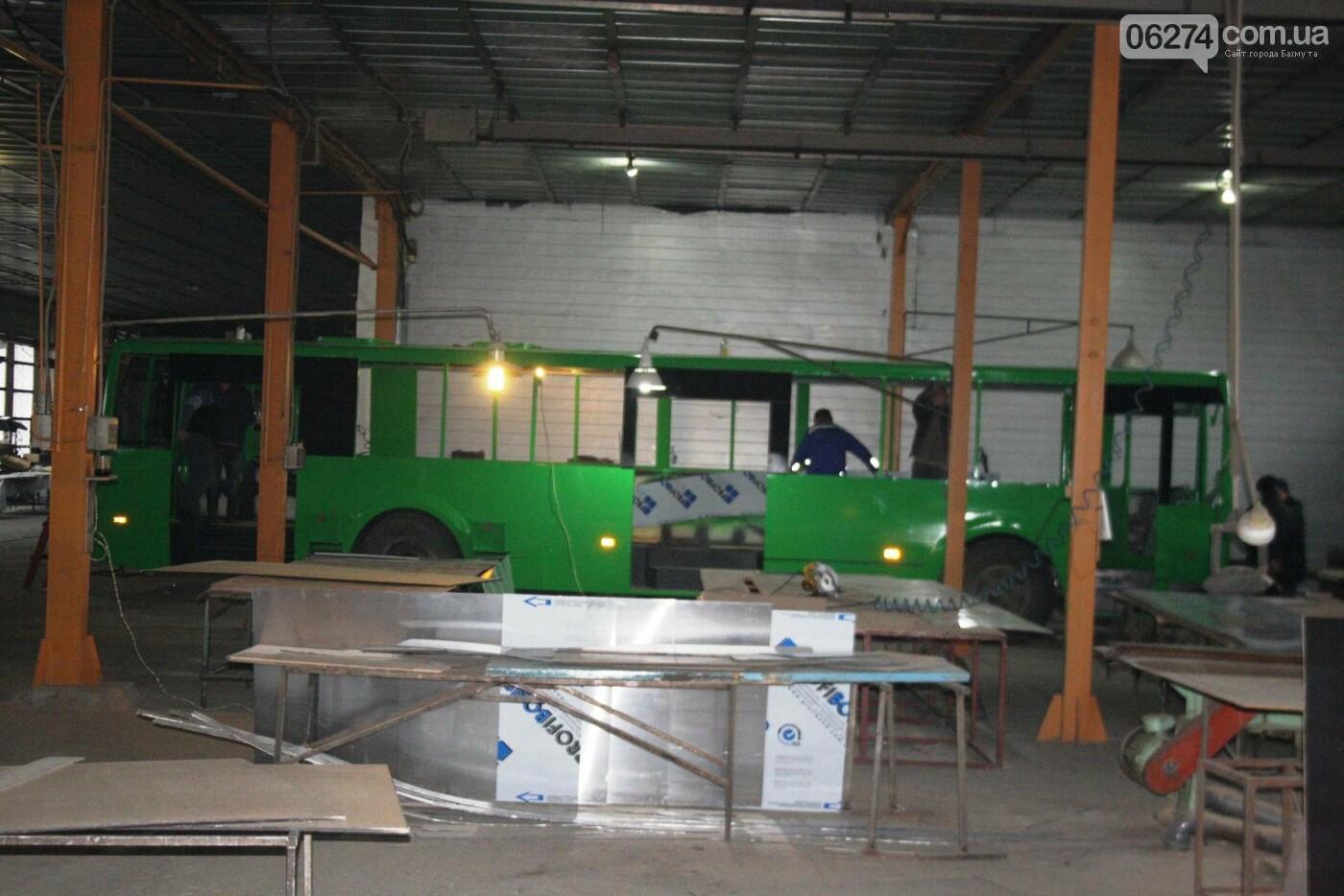 В Часовом Яре проходят работы по капитальному ремонту троллейбуса для Бахмута (ФОТО), фото-6