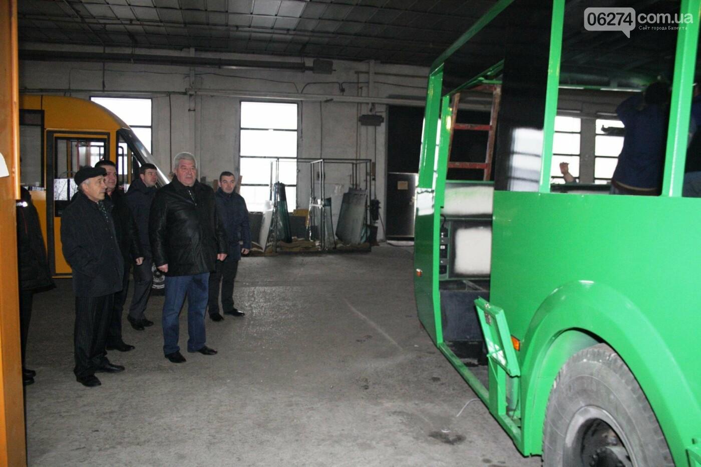 В Часовом Яре проходят работы по капитальному ремонту троллейбуса для Бахмута (ФОТО), фото-2