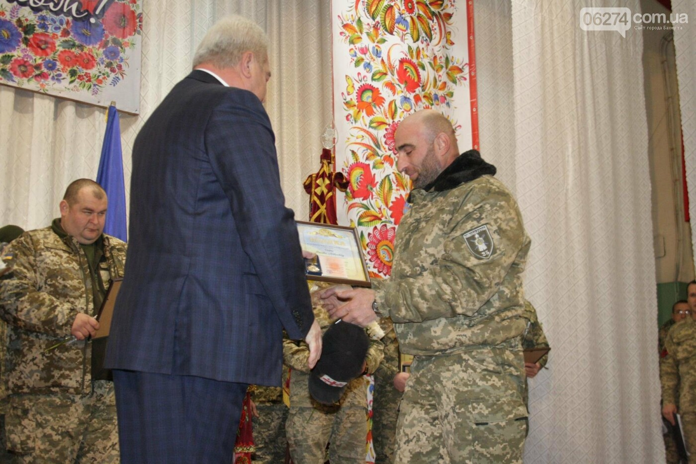 В Бахмуте поздравили военнослужащих с Днем ВСУ, фото-10
