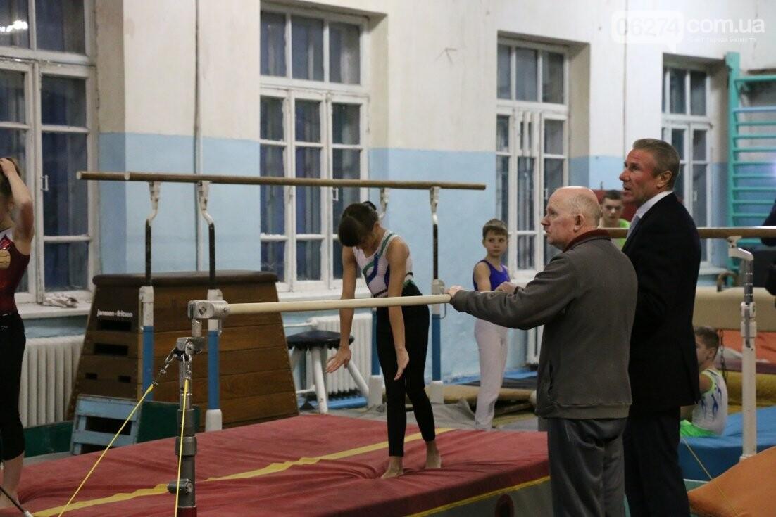 Сергей Бубка привез современное гимнастическое оборудование для спортсменов Бахмута, фото-4