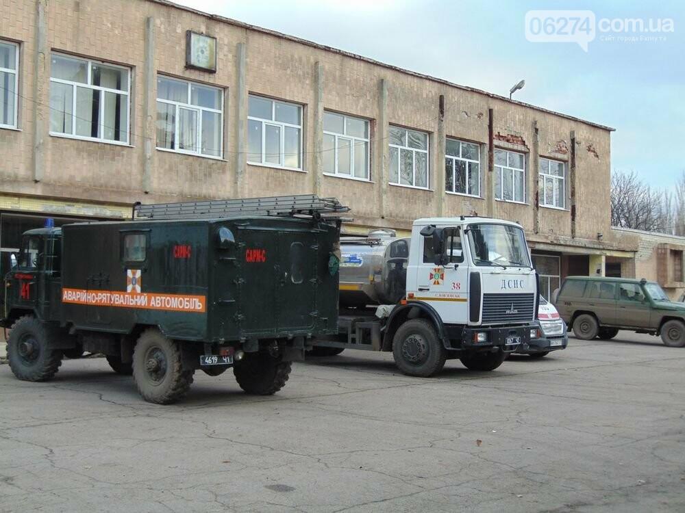 В Новолуганском ликвидируют результаты артобстрелов (ФОТО), фото-11