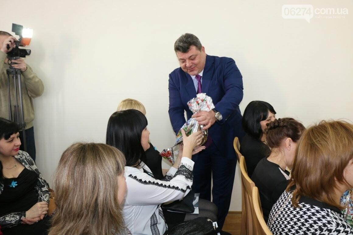 Более двух тысяч детей получили подарки под Новый Год, фото-11