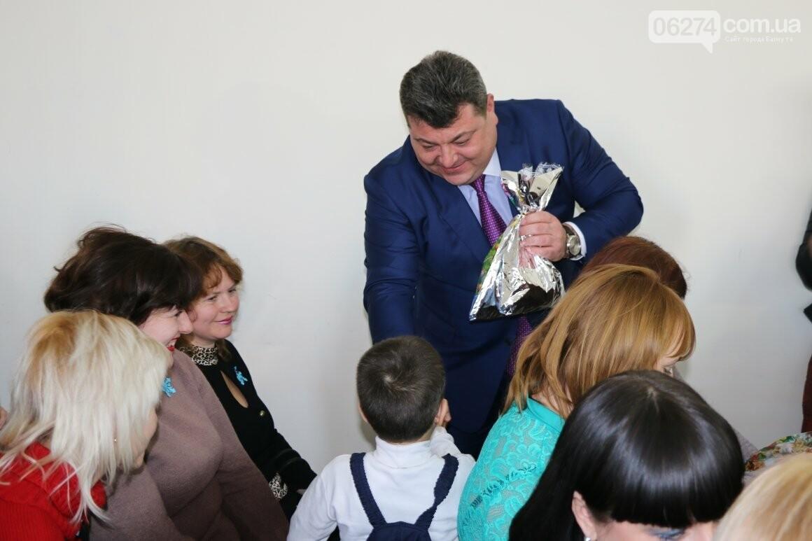 Более двух тысяч детей получили подарки под Новый Год, фото-10
