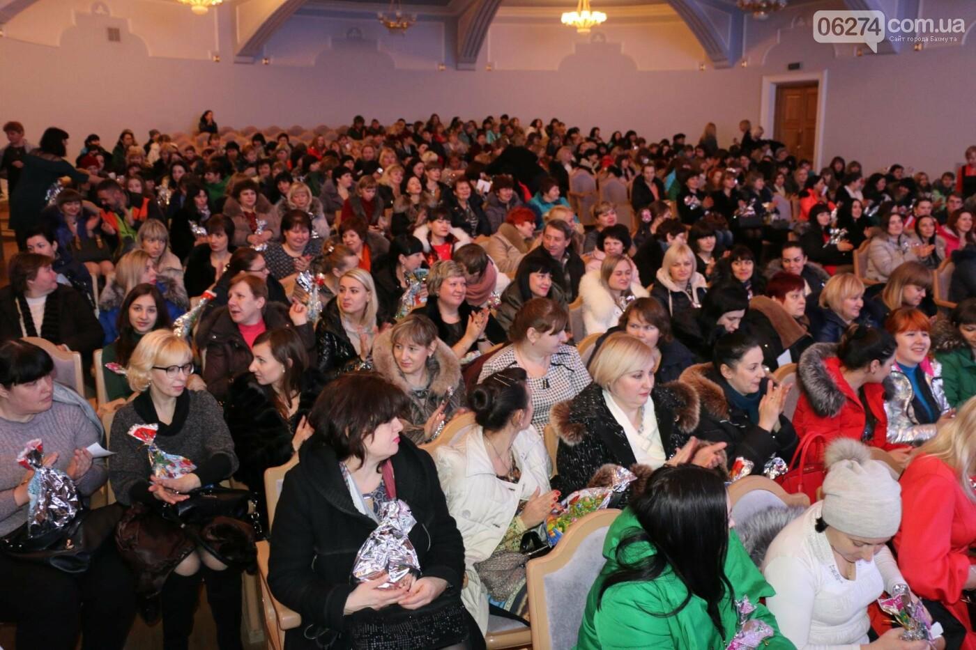 Более двух тысяч детей получили подарки под Новый Год, фото-7