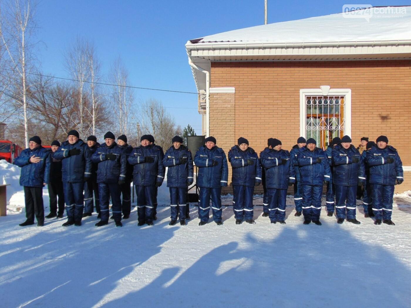 Спасателям Бахмута передали новые пожарные машины и инженерную технику, фото-2