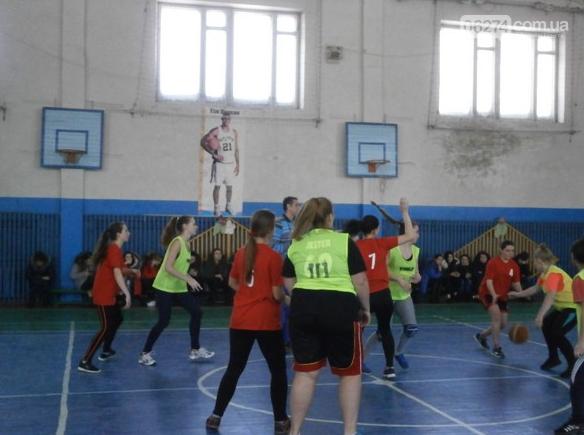 В Бахмуте прошел баскетбольный турнир памяти Станислава Каркача, фото-2