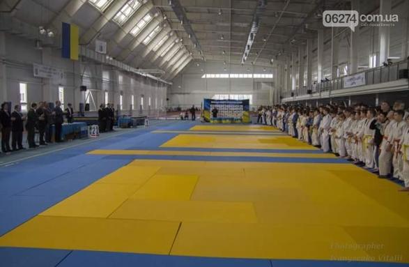 Чемпионат Донецкой области по дзюдо в Бахмуте собрал 350 юношей и девушек, фото-1