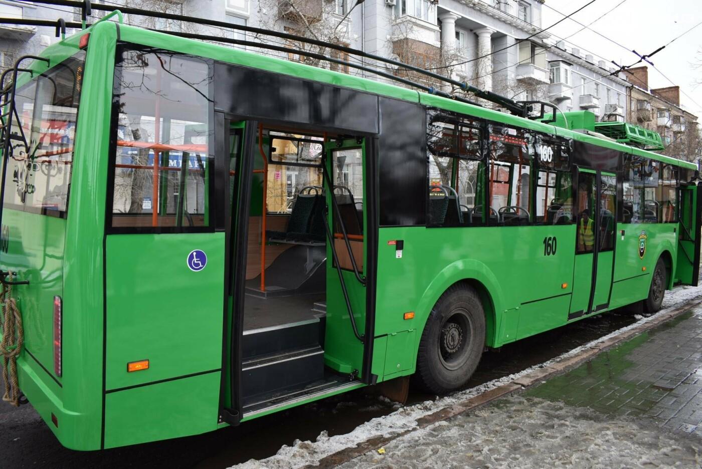 В Бахмуте презентовали очередной троллейбус после капремонта, фото-7