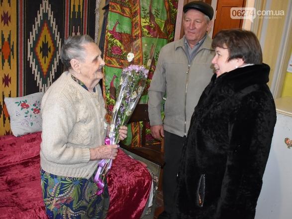 В Бахмуте поздравили участницу Сталинградской битвы, фото-2