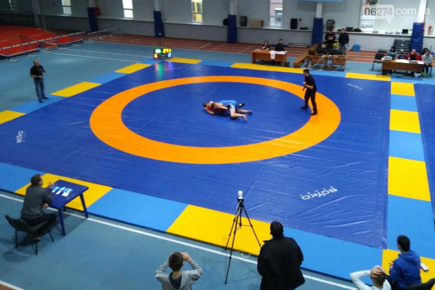 Областные соревнования по вольной борьбе в Бахмуте стали репетицией Чемпионата Украины, фото-4