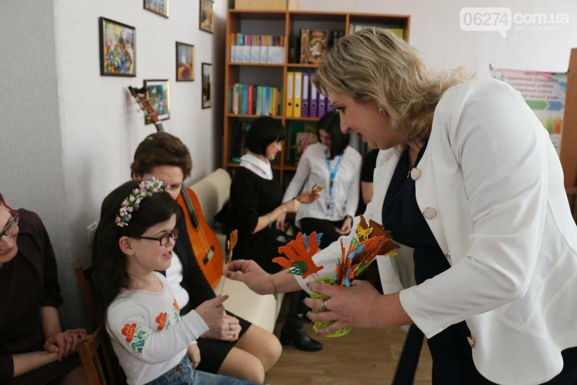 В Бахмуте открыли обновленный Центр психологической поддержки детей и их семей, фото-15