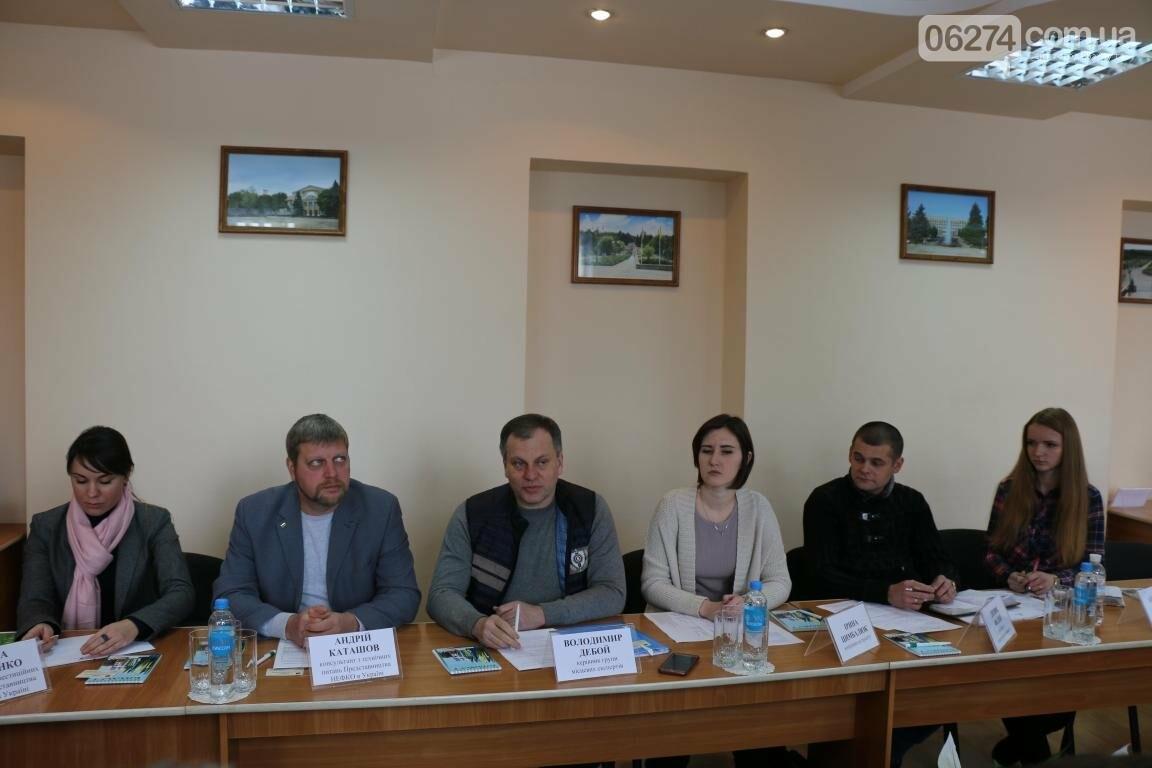 В Бахмуте ведут переговоры с представителями НЕФКО (ДОПОЛНЕНО), фото-4