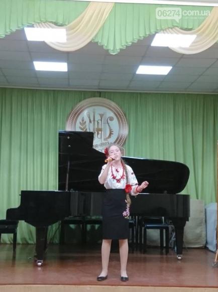 В Бахмуте юные вокалисты приняли участие в фестивале-конкурсе «Крок до зірок», фото-2