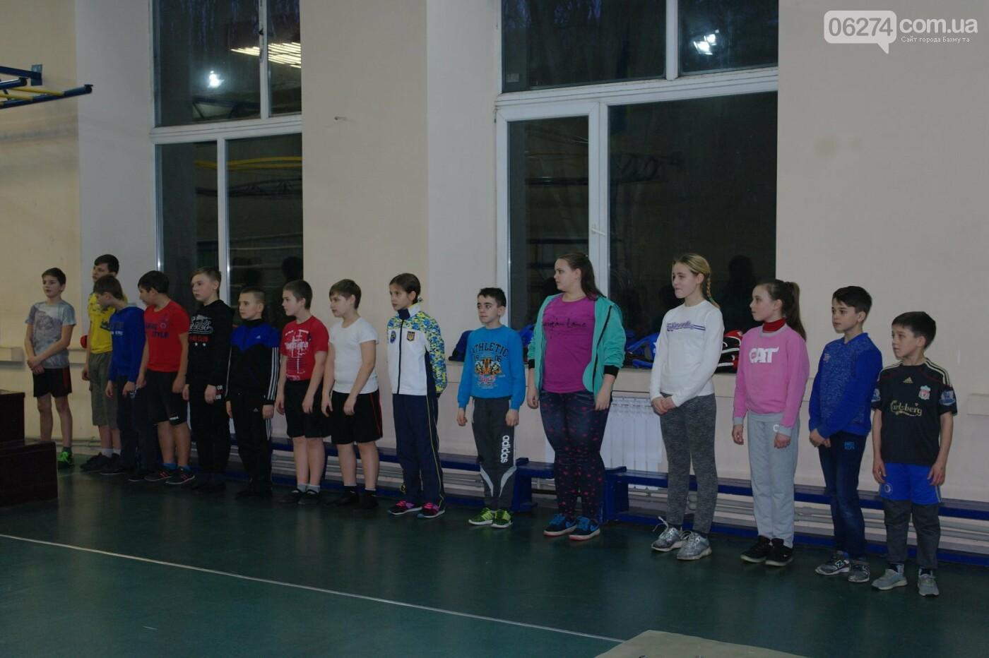 Одна из родительниц спортсменки рассказала о том, что происходит в спортзале секции по кикбоксингу, фото-1