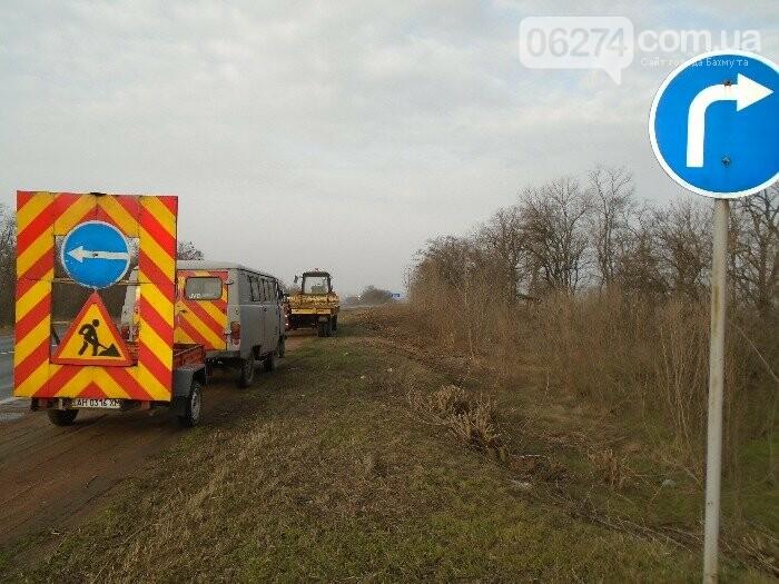 В ликвидации аварийной ямочности на дорогах области задействовано 18 бригад облавтодора, фото-1