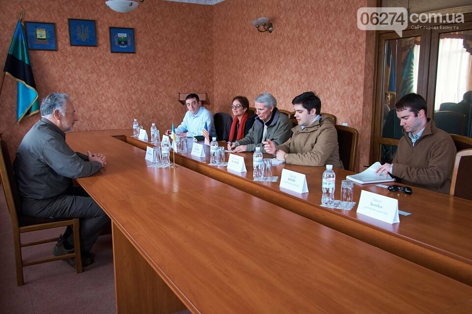 В Бахмуте глава области встретился с делегацией США, фото-3