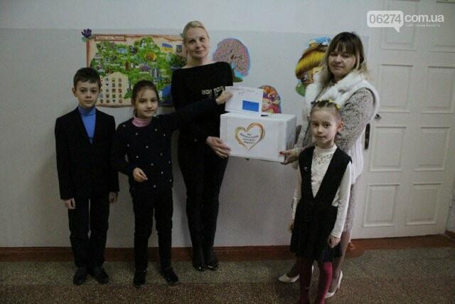 Школьники Бахмута провели благотворительный концерт «Помоги больному ребенку», фото-6
