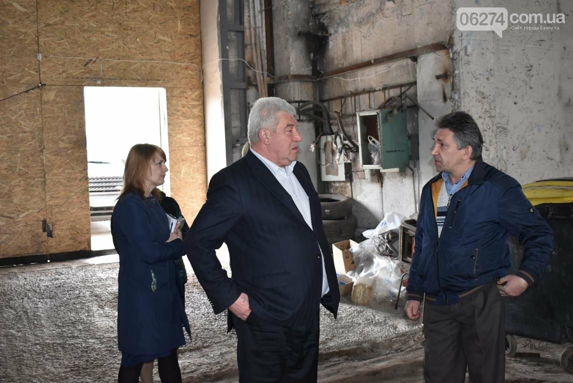 Новое предприятие и ремонт общежития – Бахмутский городской голова провел выездное рабочее совещание, фото-7