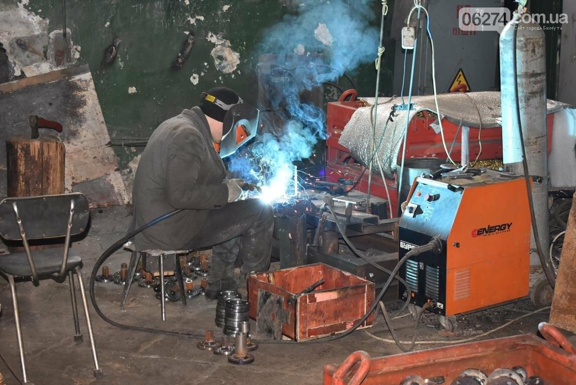 Новое предприятие и ремонт общежития – Бахмутский городской голова провел выездное рабочее совещание, фото-16