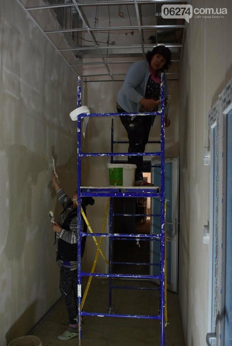 Новое предприятие и ремонт общежития – Бахмутский городской голова провел выездное рабочее совещание, фото-20
