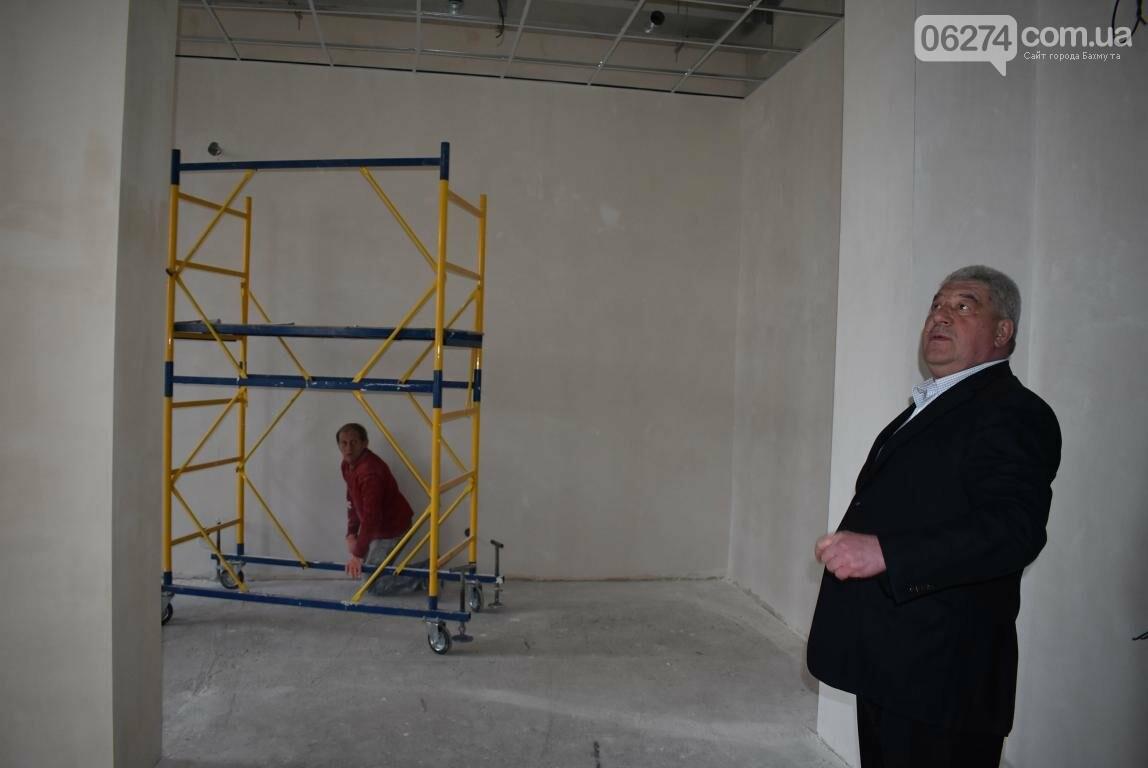 Новое предприятие и ремонт общежития – Бахмутский городской голова провел выездное рабочее совещание, фото-2