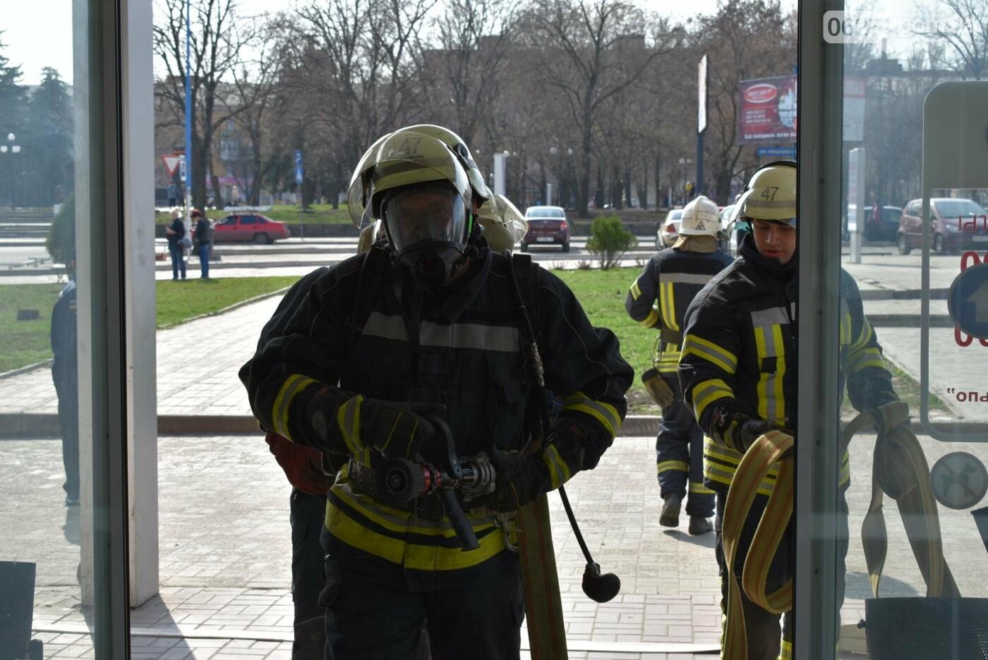 В Бахмуте спасатели проверили безопасность торгового центра «Астрон» (ФОТО), фото-5