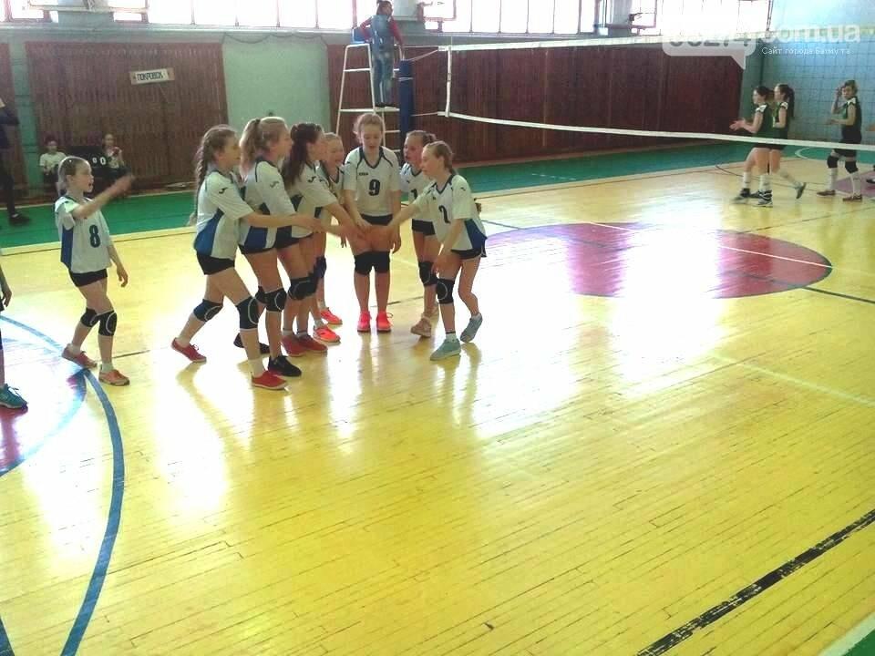 Волейболистки Бахмута – серебряные призеры областного чемпионата, фото-2