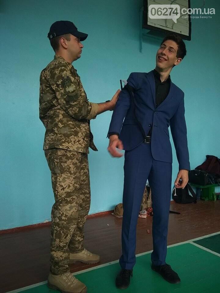 Школьникам Бахмута показали, что нужно делать при ранениях и травмах, фото-6