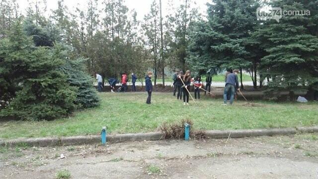 Школьники и студенты Бахмута приняли участие в общегородской экологической акции (ФОТО), фото-2