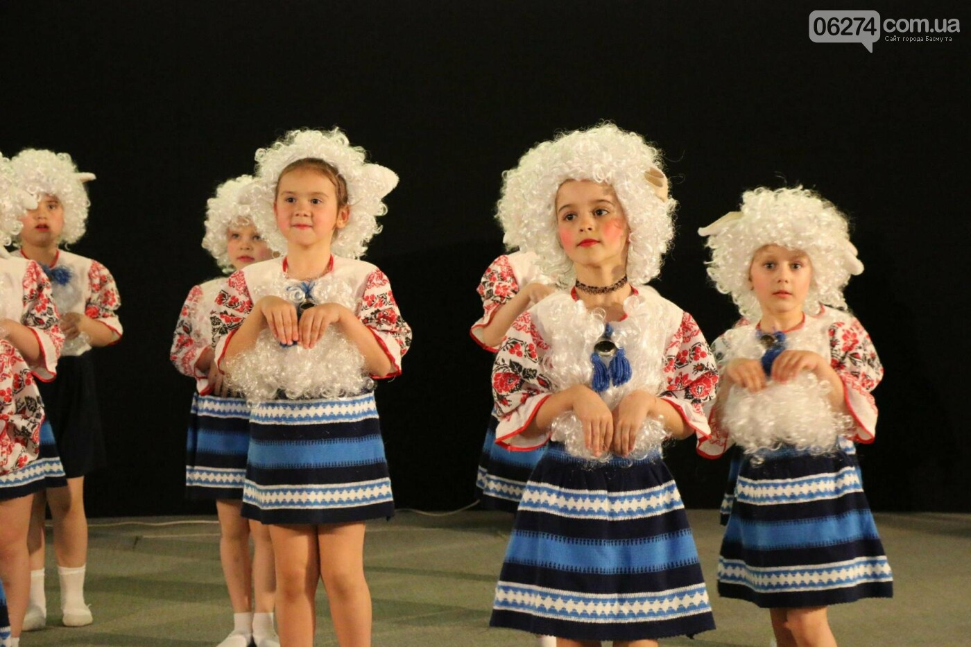В Бахмуте прошел отчетный концерт образцового ансамбля танца «Непоседы» (ФОТОРЕПОРТАЖ), фото-37