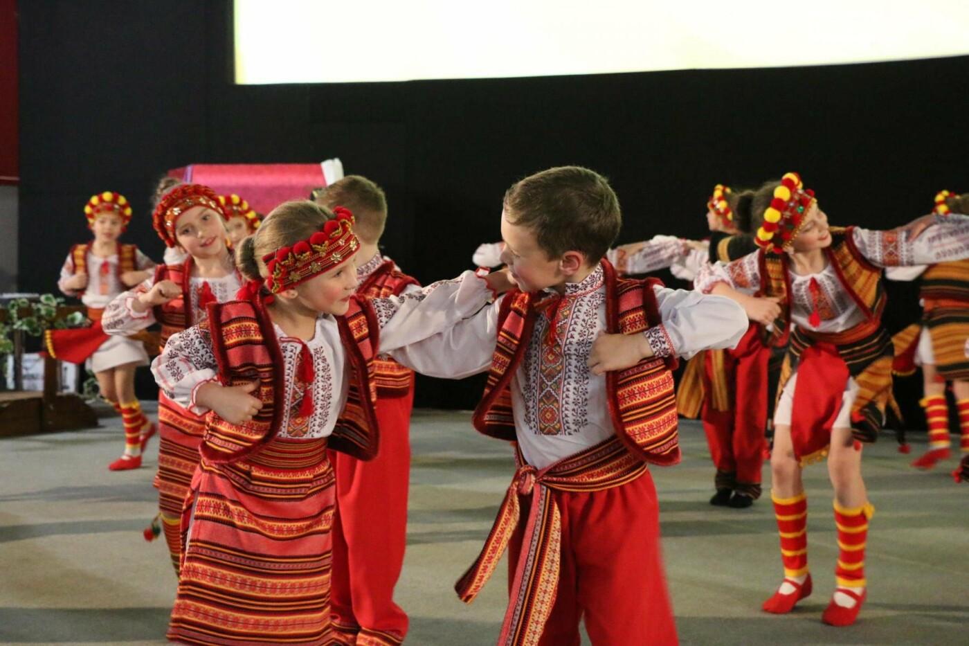 В Бахмуте прошел отчетный концерт образцового ансамбля танца «Непоседы» (ФОТОРЕПОРТАЖ), фото-39