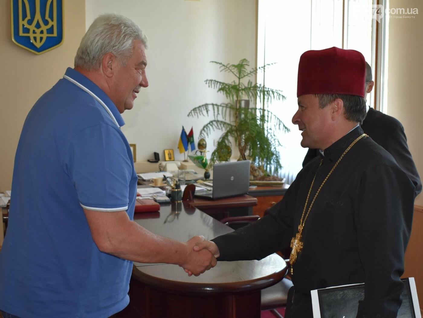 Бахмутский городской голова Алексей Рева встретился с представителями Международного благотворительного фонда «Каритас Украины», фото-3