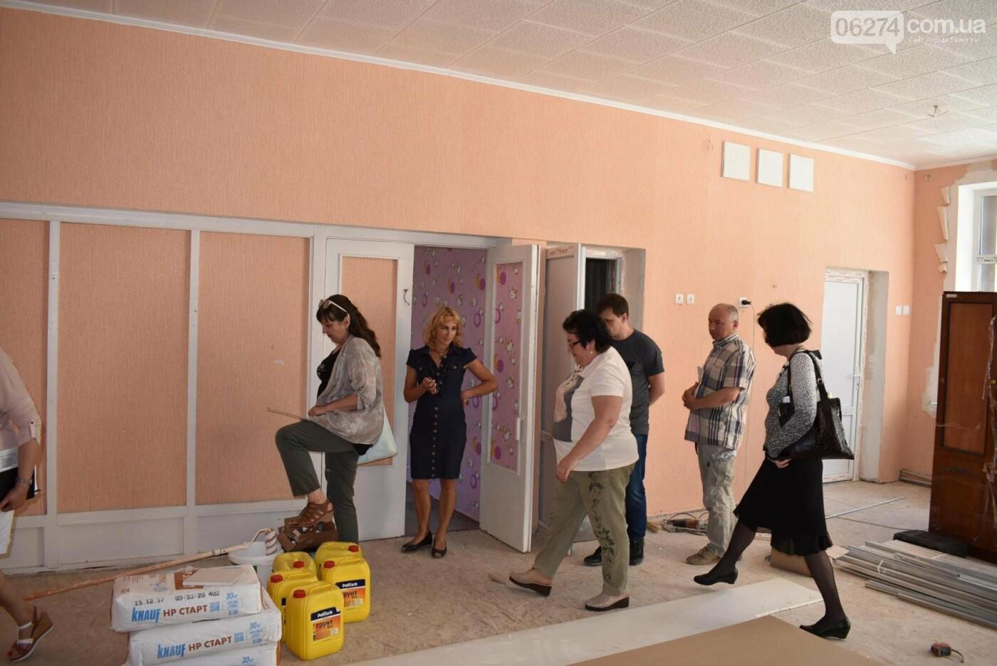 В Бахмуте продолжается реконструкция объектов инфраструктуры, фото-14