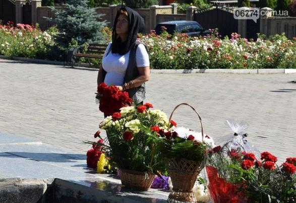 В Бахмуте прошло возложение цветов по случаю Дня скорби и памяти жертв войны в Украине, фото-6