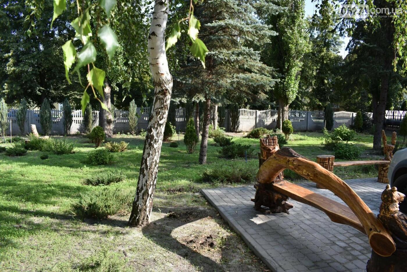В Бахмуте продолжается реконструкция корпуса колледжа искусств имени Ивана Карабица, фото-10