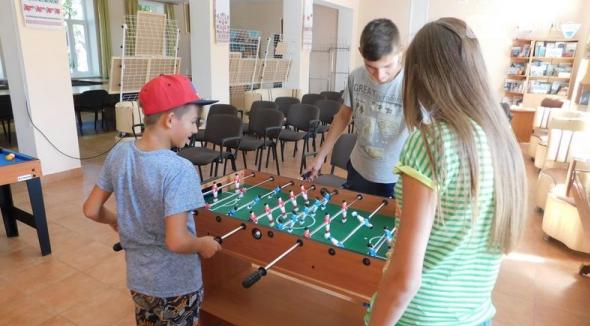 Хоккей, теннис, бильярд и футбол … в бахмутской библиотеке, фото-2