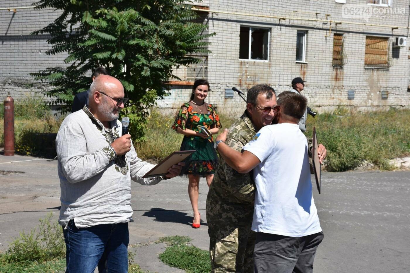Бахмутчанка сшила флаг Украины для жителей оккупированных территорий, фото-8