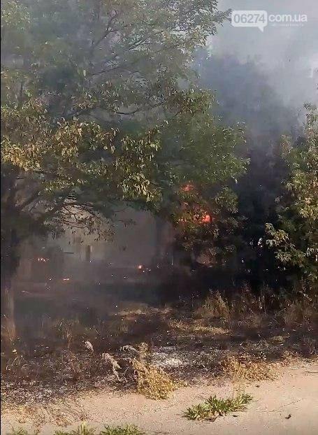 В прифронтовом Зайцево горят дома. Оккупационные власти обвиняют ВСУ (ФОТО), фото-2