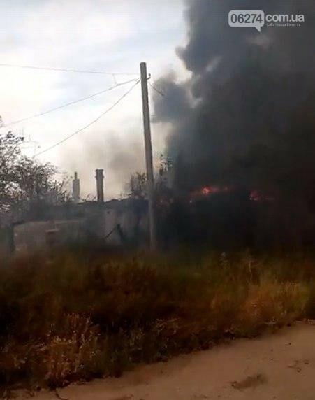 В прифронтовом Зайцево горят дома. Оккупационные власти обвиняют ВСУ (ФОТО), фото-1