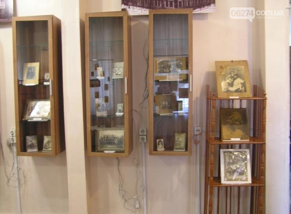 В Бахмуте открылась фотовыставка об истории города, фото-1