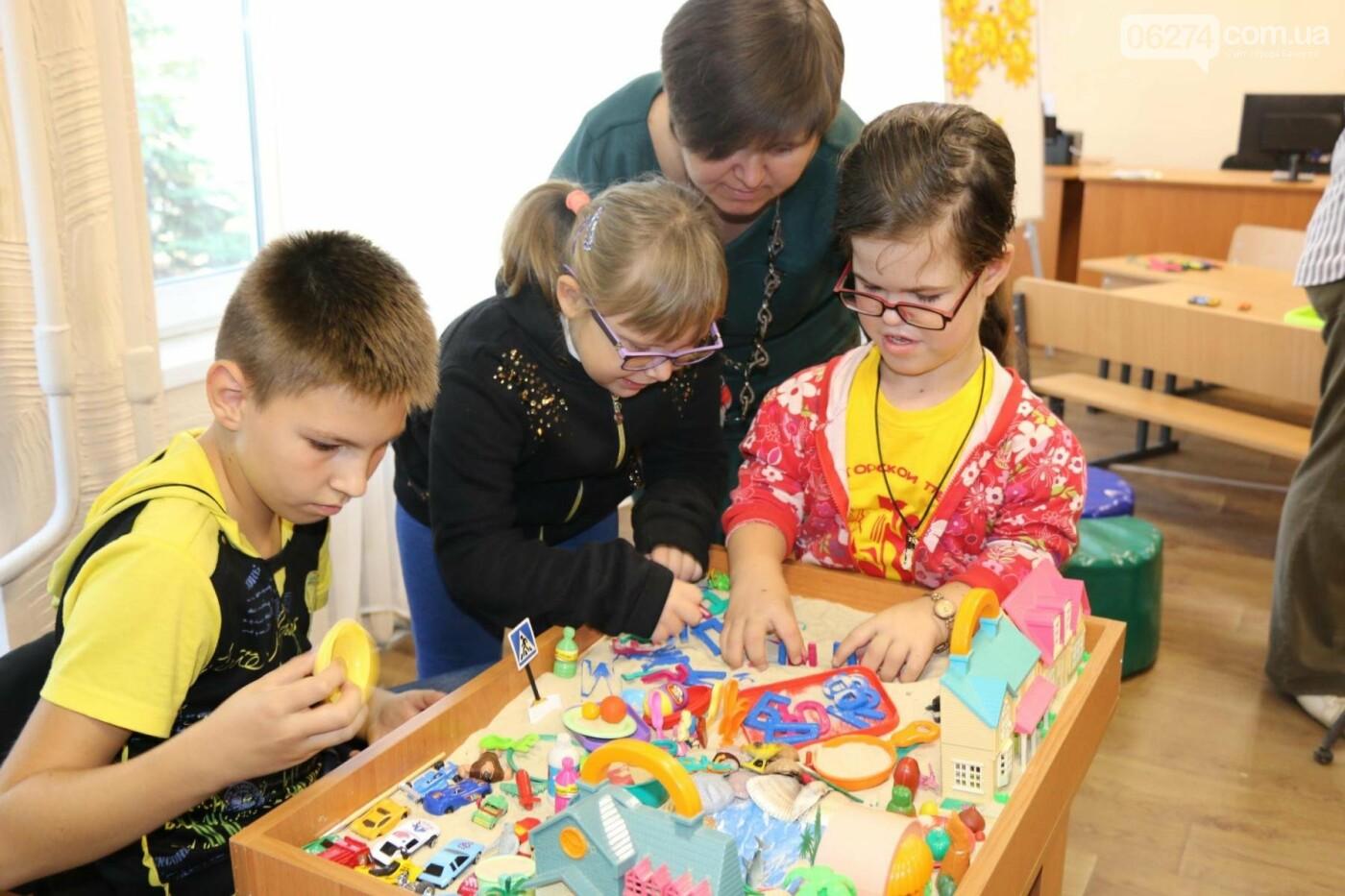 В Бахмуте открыт Инклюзивно-ресурсный центр для детей с особыми потребностями, фото-16