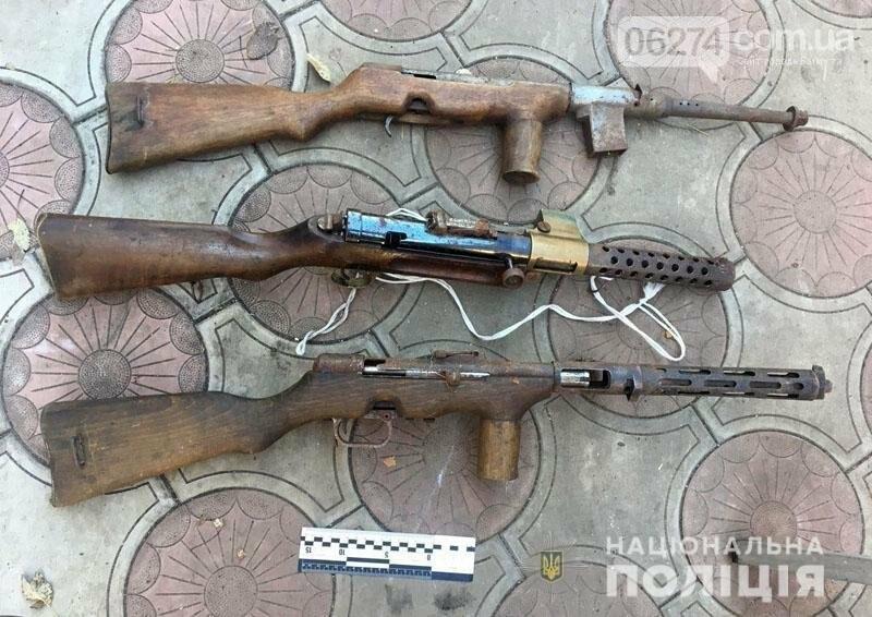 Раритетные пистолеты времен Первой мировой войны хранил бахмутчанин на чердаке дома, фото-1