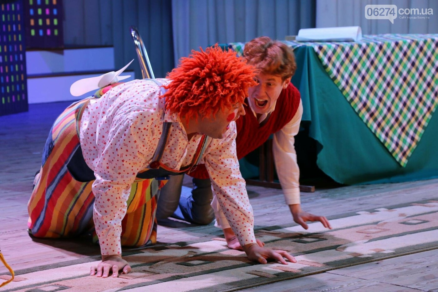 Для детей Бахмута показали спектакль «Малыш и Карлсон», фото-11