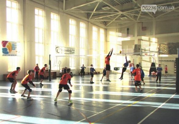 Юные волейболисты Бахмута завоевали «серебро» на областном чемпионате, фото-2