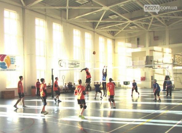 Юные волейболисты Бахмута завоевали «серебро» на областном чемпионате, фото-1