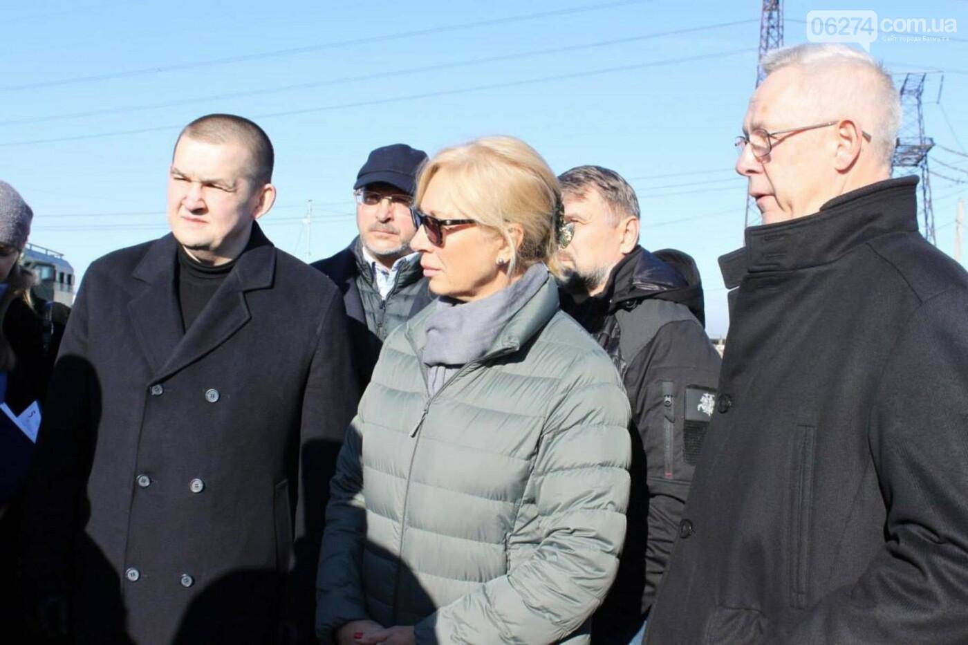 Омбудсмены Литвы и Украины посетили КПВВ в Бахмутском районе с мониторинговым визитом, фото-1