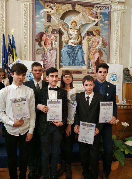 Школьник Бахмута получил стипендию от Президента Украины, фото-3