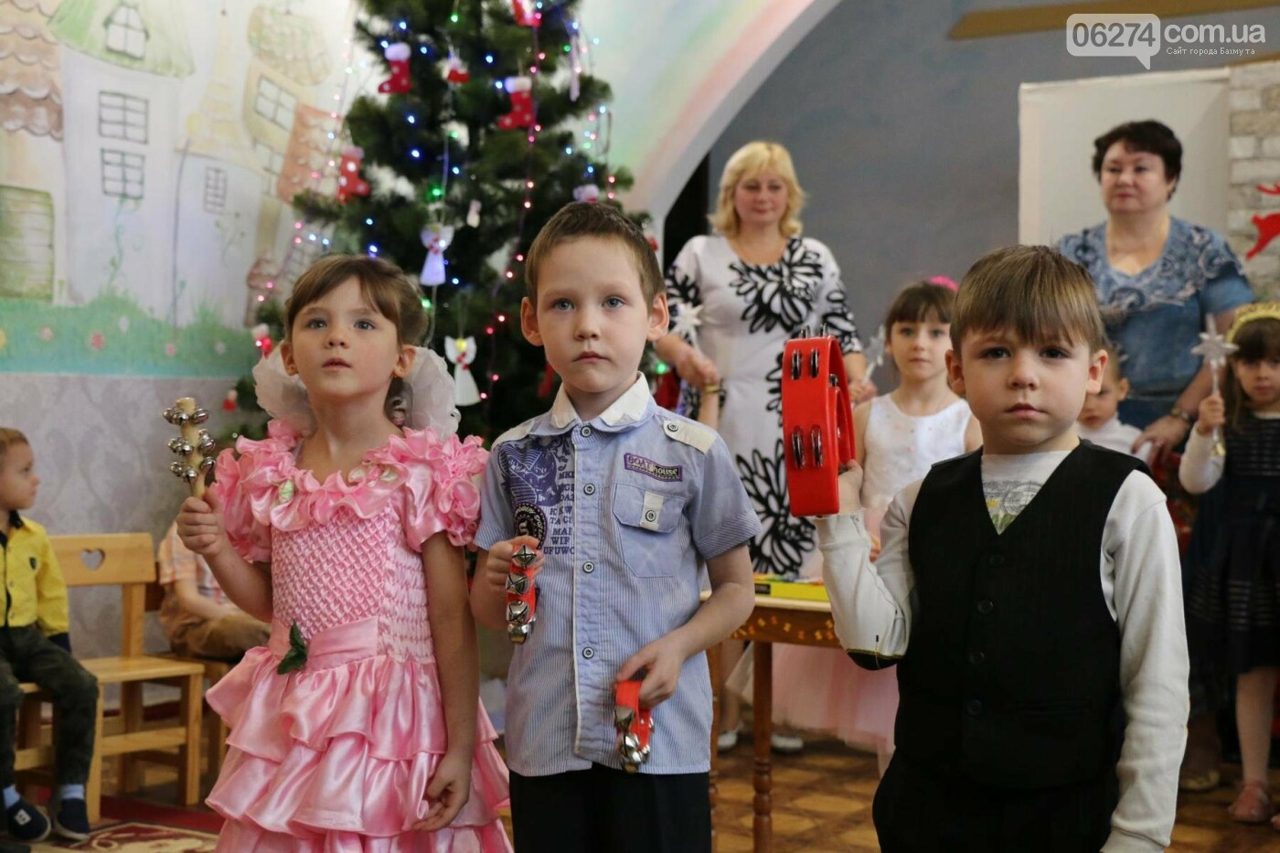 Святой Николай поздравил детей Бахмута, фото-10