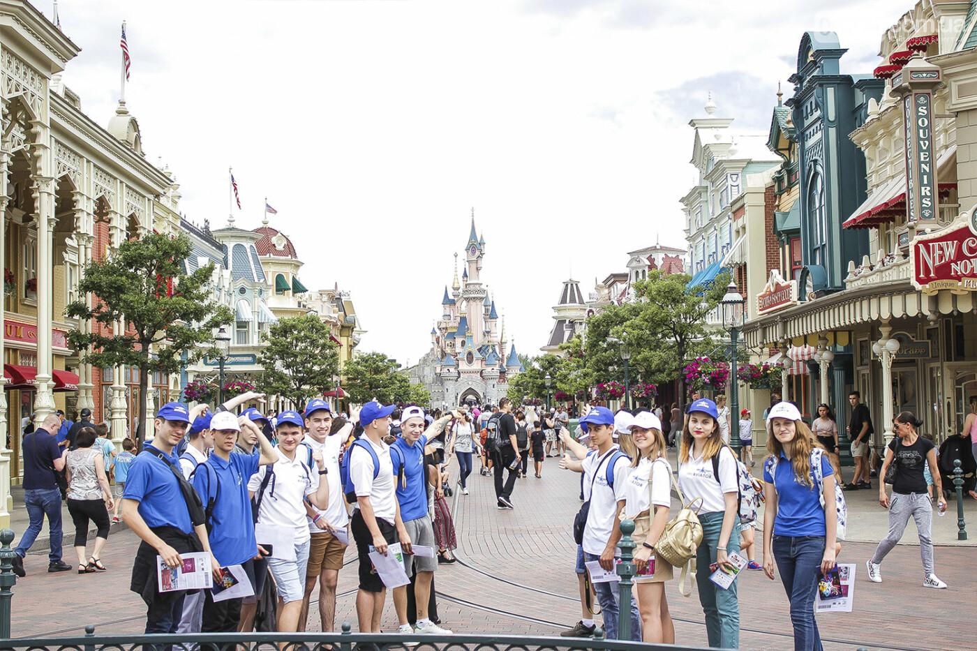 Призеры областных олимпиад Донбасса увидели Париж и отдохнули в Диснейленде, фото-2